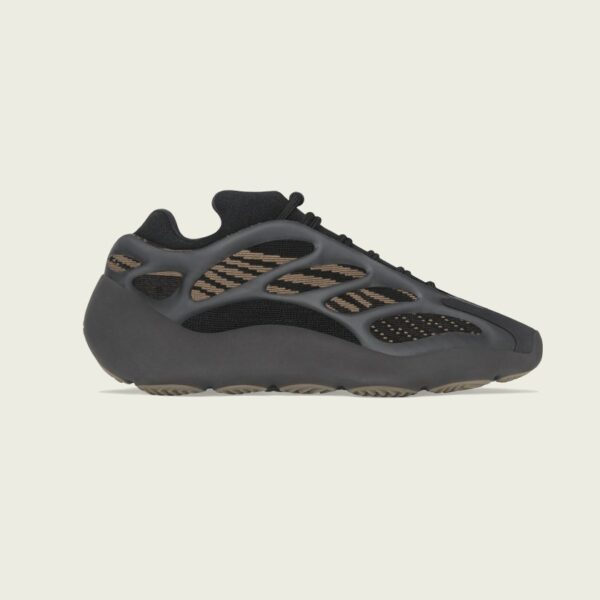 YEEZY 700 V3 CLAY BROWN Release Information (Model No.: GY0189)